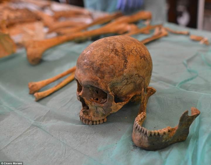Restos mortales atribuidos al santo en la Iglesia de San Jorge, en Monselice, Italia.