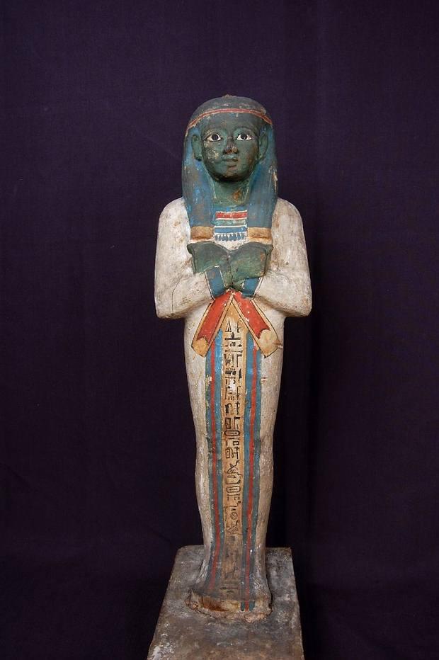 Figurilla de madera de Ptah-Sokar-Osiris. Museo Británico.