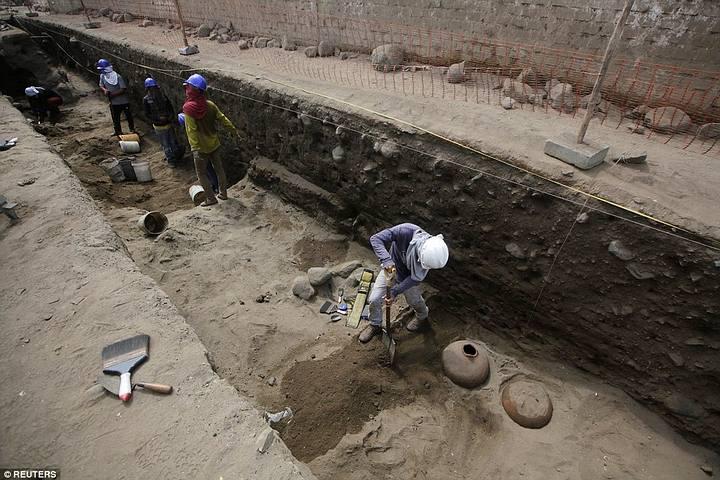 Esqueletos de niños sacrificados ritualmente por la cultura Chimú son hallados en Perú Sacrificios-chimu2