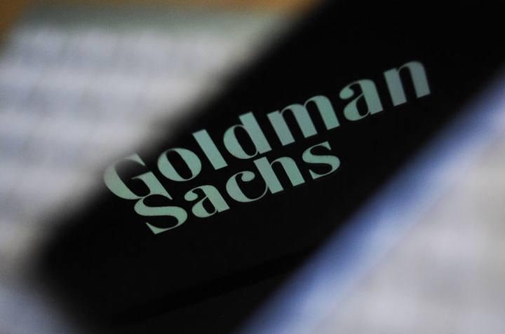 Goldman Sachs actúa de asesor financiero de algunas de las compañías más importantes, grandes gobiernos y familias ricas del mundo.