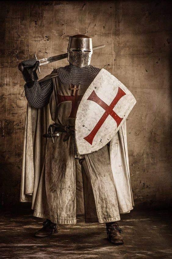 La Orden del Temple, cuyos miembros son conocidos como caballeros templarios, fue una de las más poderosas órdenes militares cristianas de la Edad Media. Más info AQUÍ.