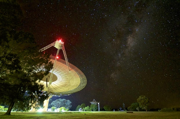 Radiotelescopio Parkes, Nueva Gales del Sur, Australia. Foto: Daniel John Reardon.