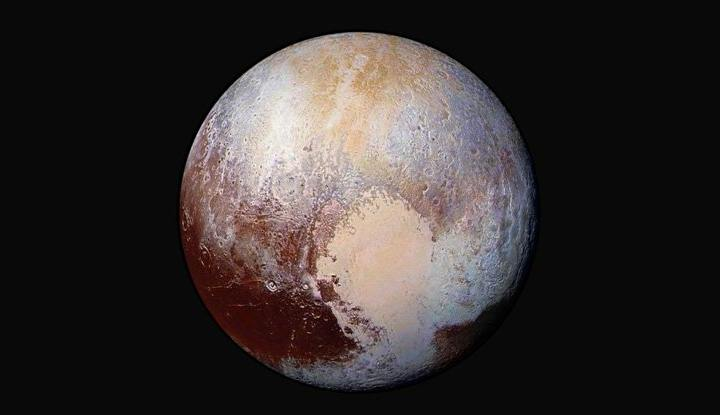 pluto_in_colour_nasa