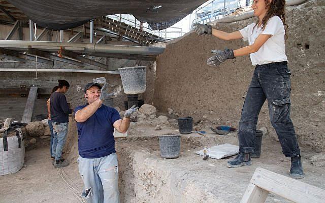 amuleto-excavacion