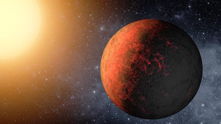 Representación artística de Kepler-20e, el primer exoplaneta descubierto que tiene un tamaño más pequeño que la Tierra.
