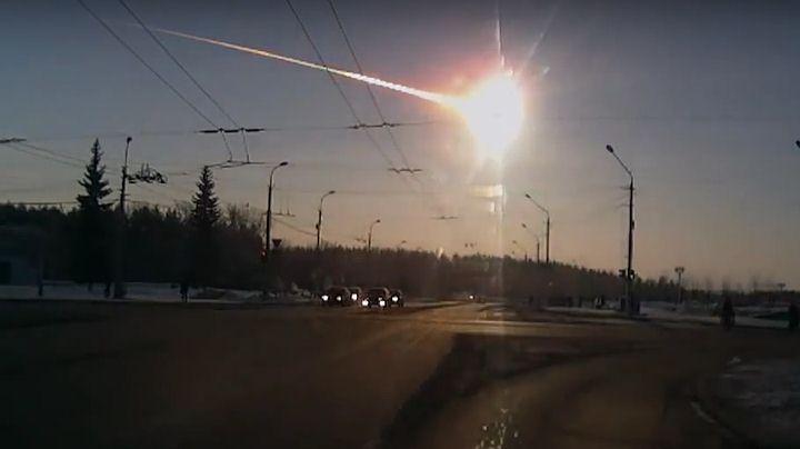 Asteroide caído en Cheliábinsk (Rusia, 2013), captado por una dashcam.
