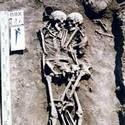 Post thumbnail of Un sacrificio a cambio de un abrazo de 3.000 años: la historia de la mujer que se hizo enterrar viva junto a su difunto esposo